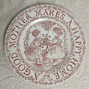 1979 Mother's Royal Crownford Staffordshire Plate